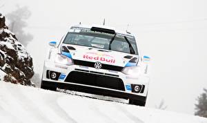 Фото Volkswagen Тюнинг Спереди Снегу Белый Гонки Polo WRC Red Bull автомобиль