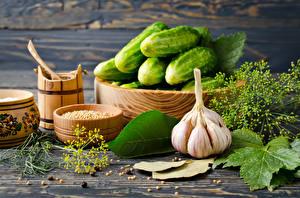 Картинка Овощи Огурцы Чеснок Специи Продукты питания