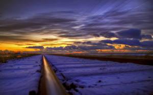 Обои Железные дороги Рассветы и закаты Вблизи Снег Облака Рельсы Природа