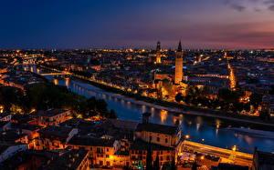 Обои Италия Дома Верона Ночь Водный канал Города
