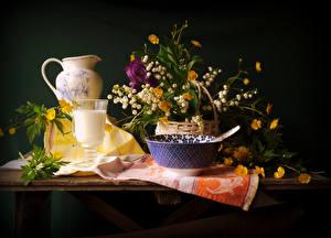 Фотографии Натюрморт Букеты Ландыши Молоко Кувшин Бокалы адонис Цветы Еда
