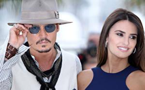 Обои Джонни Депп Пенелопа Крус Мужчины Очков Шляпе Pirates of the Caribbean: On Stranger Tides Знаменитости Девушки