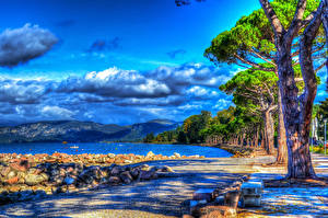 Обои Пейзаж Побережье Небо Камни Деревья Облака HDR Природа фото