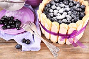 Картинка Сладости Торты Смородина Вилка столовая Продукты питания