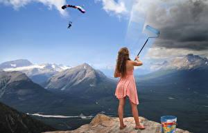 Обои Горы Креативные Небо Платье молодые женщины