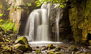 Картинки Водопады Камни Мох Природа