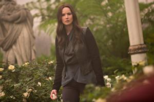 Обои Голодные игры Дженнифер Лоуренс Mockingjay Part-2 Katniss Everdeen Кино Знаменитости Девушки