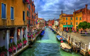 Обои Италия Дома Венеция Водный канал Улица HDR Города фото