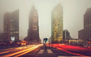 Фото Германия Берлин Дороги Туман Улице Едущая город
