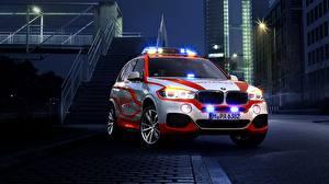 Картинка BMW Ночные 2014 X5 xDrive Notarzt F15 Автомобили