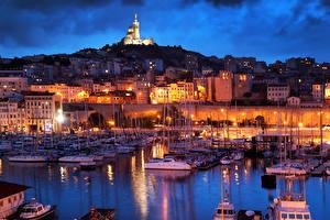 Фотографии Франция Здания Пирсы Корабль Парусные Марсель Ночные Уличные фонари город