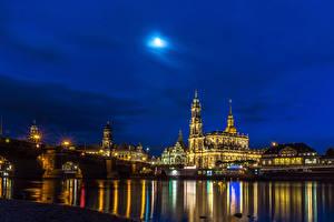 Фотографии Германия Дома Реки Мосты Небо Дрезден Ночь Уличные фонари Города