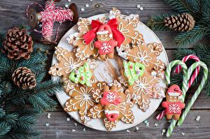 Картинки Выпечка Печенье Новый год Ветвь Шишки