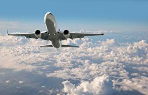 Фотографии Самолеты Пассажирские Самолеты Небо Облака