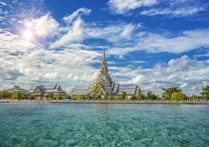 Фотография Таиланд Храм Небо Набережной Облака Sothorn Temple Chachoengsao Province город