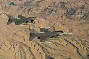 Обои Истребители Самолеты F-16 Fighting Falcon Двое F-16