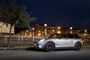 Картинка Мини Стайлинг Дома Серебряный Ночные Уличные фонари 2015 Mini Cooper S Clubman авто Города