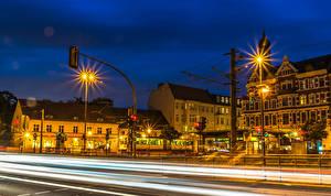 Фотографии Берлин Германия Дома HDRI Улице В ночи Уличные фонари Едет город