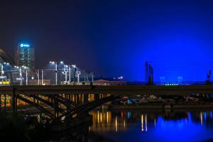 Фотографии Берлин Германия Реки Мосты Ночь Уличные фонари Города
