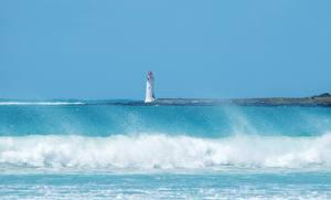 Обои Маяки Море Волны С брызгами Природа