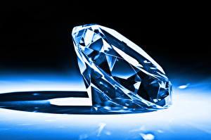 Обои Крупным планом Алмаз обработанный diamond gemstone color brightness Природа