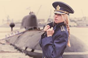 Картинки Подводные лодки Солдаты Шляпы Блондинок Коса Девушки
