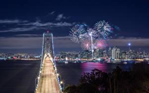 Фотография США Фейерверк Мосты Берег Калифорния Сан-Франциско Ночь