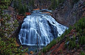 Картинка США Водопады Парки Скале Йеллоустон Wyoming Природа