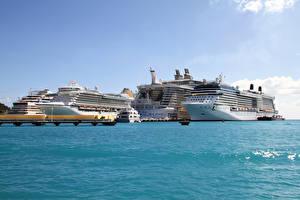 Обои Корабли Круизный лайнер Море Пристань