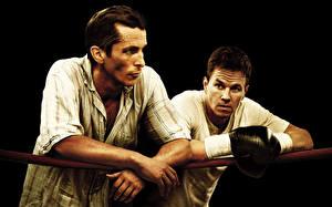 Обои Бокс Mark Wahlberg Кристиан Бэйл Мужчины Вдвоем The Fighter Кино Знаменитости