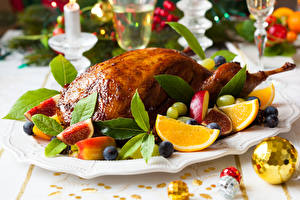 Картинки Мясные продукты Курица запеченная Рождество Фрукты Шар Еда
