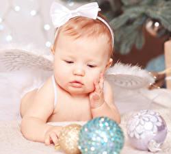 Картинка Ангел Новый год Младенец Шар Дети