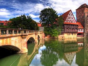 Картинка Германия Дома Реки Мосты Нюрнберг Деревья Города