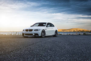 Обои BMW Небо Белых Асфальт E92 M3 Vorsteiner Flow Forged Wheels машины
