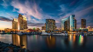 Фотографии США Пейзаж Небоскребы Небо Причалы Яхта Сан-Диего В ночи город