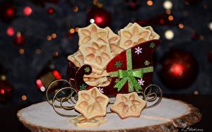 Обои Праздники Новый год Выпечка Печенье Карета Бантик Еда фото