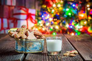 Обои Новый год Выпечка Печенье Молоко Стакан Доски Еда фото