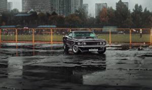 Фотографии Ford Дождь Черный Mustang Mach 1 Машины