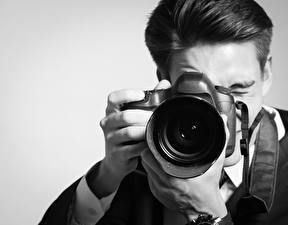 Обои Мужчины Крупным планом Фотоаппарат фото