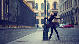 Обои Балет Платье Улица Urban Swan Black Города Девушки