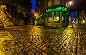 Обои Великобритания Шотландия Здания Улице В ночи Уличные фонари Тротуар Aberdeen Города