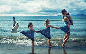 Обои Море Птица Чай Мать Девочка Вдвоем Младенца Юмор Девушки Дети