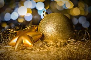 Фотографии Праздники Рождество Шарики Золотой