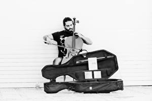 Фотография Музыкальные инструменты Мужчины Виолончель