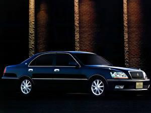 Картинка Toyota Сбоку crown машины