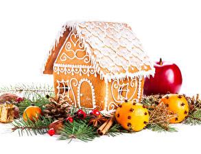 Фото Новый год Выпечка Дома Яблоки Апельсин Пряничный домик Ветки Дизайн