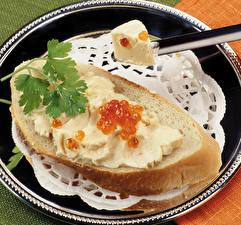 Картинки Бутерброды Хлеб Икра Тарелка Еда