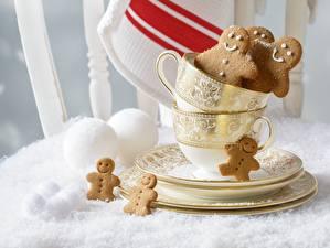 Обои Выпечка Печенье Праздники Новый год Чашка Блюдце Снег  Еда фото