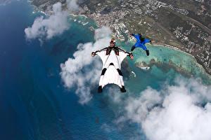 Обои Мужчины Берег Облака Сверху formation FS Wingsuit flying Спорт