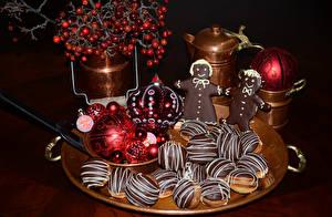 Обои Праздники Новый год Выпечка Печенье Шарики Еда фото